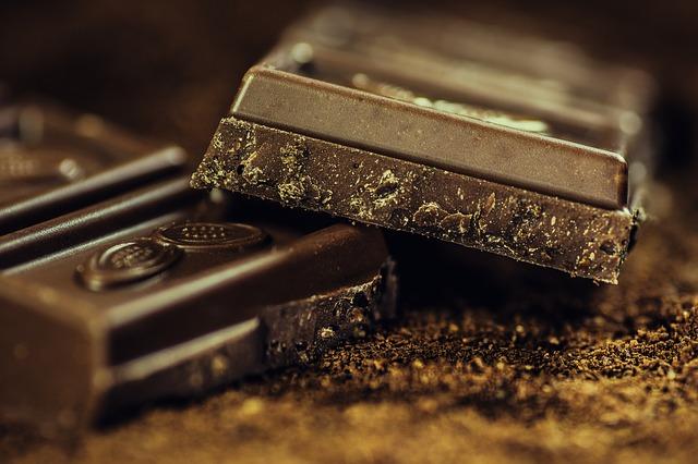 Fair Trade chocolate-183543_640