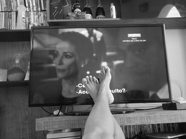 Fernsehwerbung everyday-912097_640