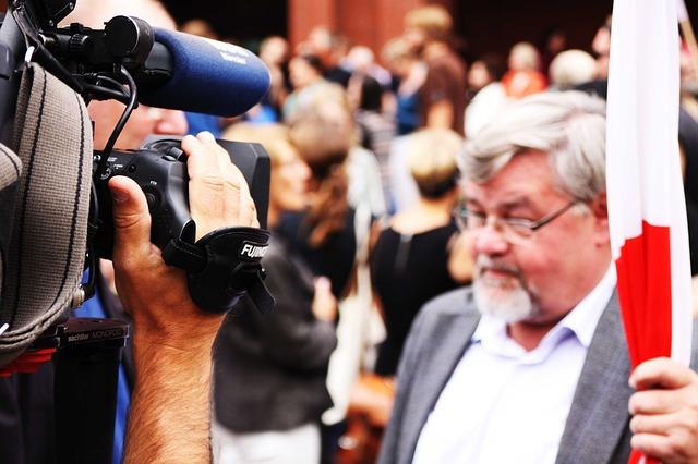 Fernsehwerbung watch-tv-301528_640